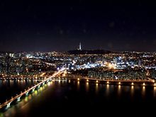 220px-Seoul_at_night_from_63_building.jpg